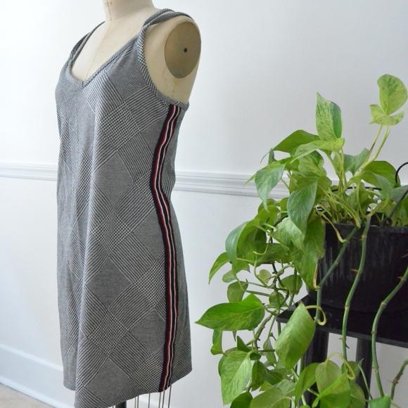 Strappy XL  grey pattern dress w/ red stripe